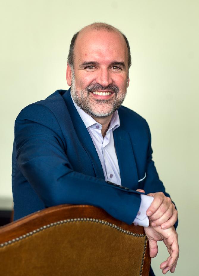 avatar for José Manuel Lucía Megías