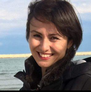 """L'odore della terra in """"Rosso come una sposa"""" di Anilda Ibrahimi, di Ermira Shurdha"""